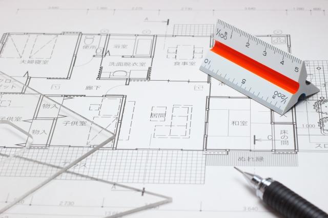 家の縮尺見取り図を描く